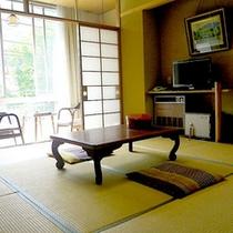 *和室8畳一例/コンパクトなお部屋。一人旅や、カップル・ご夫婦でのご旅行に。
