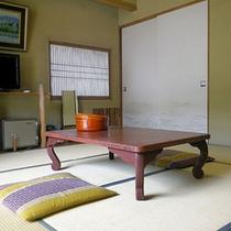 *和室8畳一例/のんびりと語らいのひと時を。