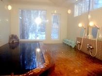 温泉施設は宿の本館とは別棟に男女別に用意してあります。