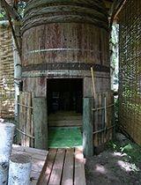 十勝で入手した直径2mの大樽!脱衣所、樽を利用して手作りしました。