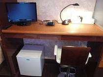 お部屋の机
