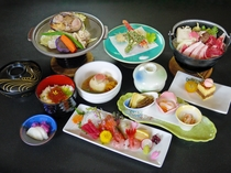 【ご夕食】 夕食グレードアップの四季彩膳の一例