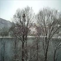 お食事処からの眺め 初雪