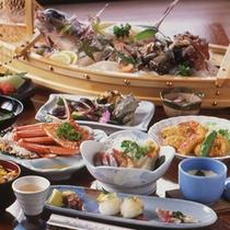 「 ファミリプランの料理 」の一例 ( 舟盛は別注です )