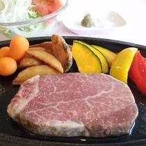 *柔らかくてジューシー♪ご当地牛の米沢牛ヒレステーキをご堪能下さい(一例)