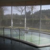 *大浴場/天井までガラス窓の開放感あふれる大浴場