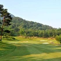 *ゴルフコース。癒しのある自然に囲まれプレーに興じる喜びを感じられます。