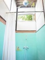シャワールーム 3室