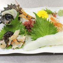 【夕食一例】サザエの刺身