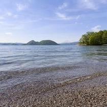 【夏の洞爺湖】噴火活動から生まれた神秘の湖。穏やかで澄みきった洞爺湖に心を奪われる。