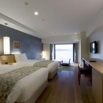 【和洋室】ベット2台と琉球畳8畳のお部屋です。