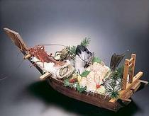 旬の魚を食卓へ〜 写真は「石鯛」の舟盛り