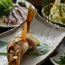 その日揚がった旬の焼き魚