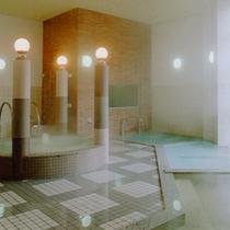 *大浴場/ジェットバス、泡風呂、季節のハーブ湯などの多彩なお風呂をご用意しております。