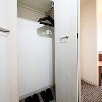 スタンダードツイン:ベッド幅120cm×2台