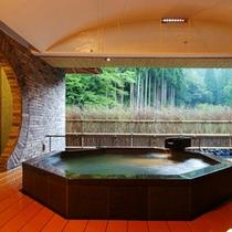 森のプライベートスパ チャイニーズ「林泉」露天風呂