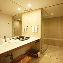 ユニバーサル・ツイン バスルーム