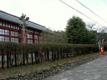見えてくるのは松阪工業赤壁校舎