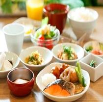 和食バイキング朝食