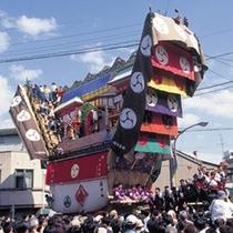5月3日〜5日まで行われる【日本でも有数の曳山行事】 青柏祭