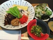 日替りランチ(ふくすけ流 鶏飯)