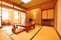二階 10畳 桔梗の間 202号室 です。
