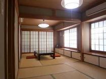 6畳+4畳半の広々とした和室