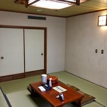 広々10畳和室はトイレとバスもセパレートです♪
