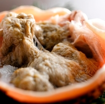 甲羅焼の味噌は黄金色です。これぞ活ガニの証