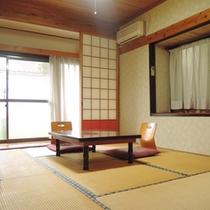 *【1F/和室10畳】洗面・トイレ付。ファミリーやグループにおすすめの広いお部屋です。