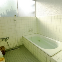 *【家族風呂】気兼ねなくご入浴をお楽しみ頂けるスペースとなっております。