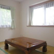 *【客室例】畳のお部屋もございます。小さなお子様が転んでしまっても安心。