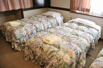 6畳の洋室【らいちょう】