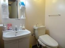 和室12畳バストイレ付