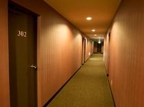 客室前通路