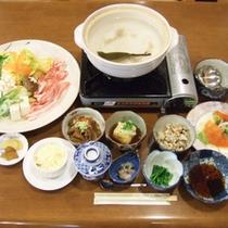 *【夕食全体例】一番美味しい状態でご提供することを大切にしています。