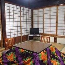 *【2階和室二間】畳のお部屋でゴロゴロと・・。
