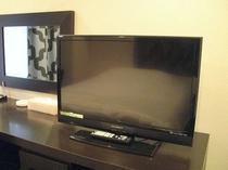 【全室共通】全室共通:32インチ液晶テレビ