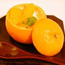 食後のデザートは地元産柑橘ゼリー(春)