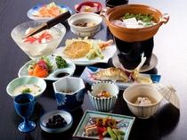 夕食(名水豆腐)名水ごろごろ水使用の豆腐で作る湯豆腐会席。歩いて2分の地元豆腐屋山口屋さんから出来立