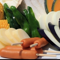 山盛りの自家栽培の野菜たっぷり