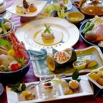 【スタンダード夕食一例】白浜ならではの新鮮な海の幸がたっぷり♪旬の味覚をお愉しみ下さい。