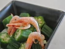 《ある日のお料理》駿河湾の桜海老と無農薬オクラのお出汁和え