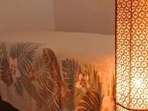 【エステ】柔らかな明かりと香りで癒されるアロマエステルームも完備!