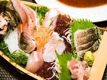【ある日のお料理】伊東港で水揚げされた地元のお魚でお造りします。