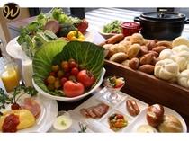【朝食】 種類豊富なメニュー