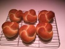 朝食用のノットパン