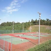 *【テニスコート】ナイターもあり!澄んだ空気・自然の中でプレーする爽やかさはやみつきに♪