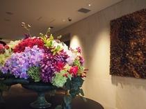 壁画と造花