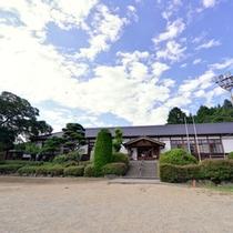 *大正校舎/施設内は現代風に変えてありますが、木造の造りが昔の雰囲気そのままです。